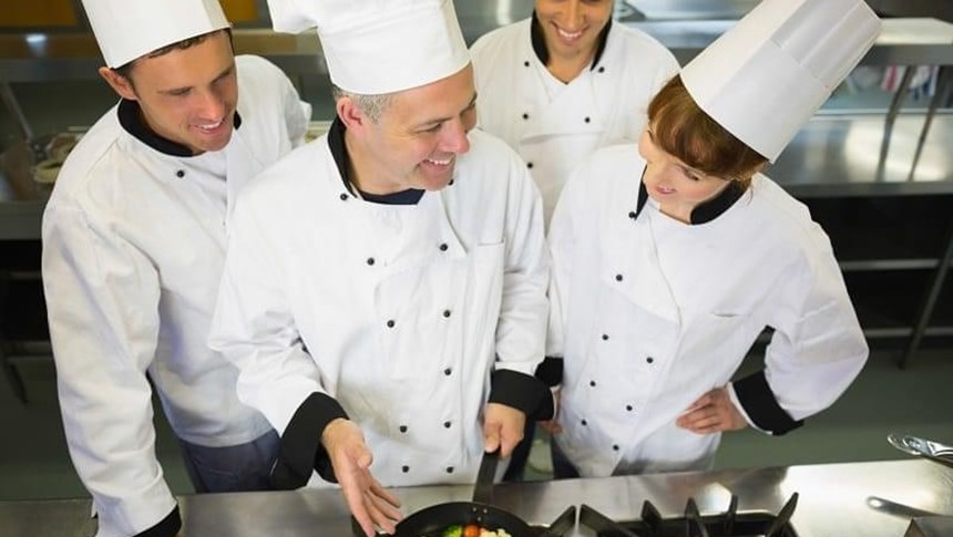 7 Reasons Why You Should Work in the Hospitality Industry